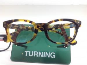セルロイドのメガネ