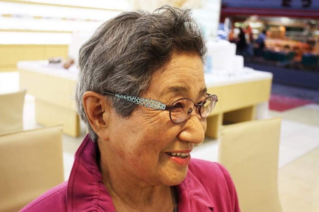 メガネ 婦人 江戸川