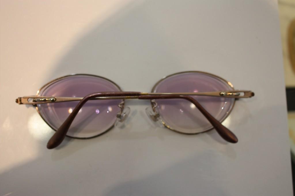 メガネコンタクト 軽いメガネ メガネの修理 取り扱い