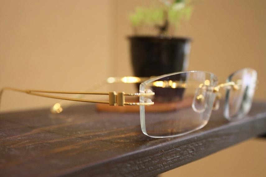 18金フレーム 高級メガネ