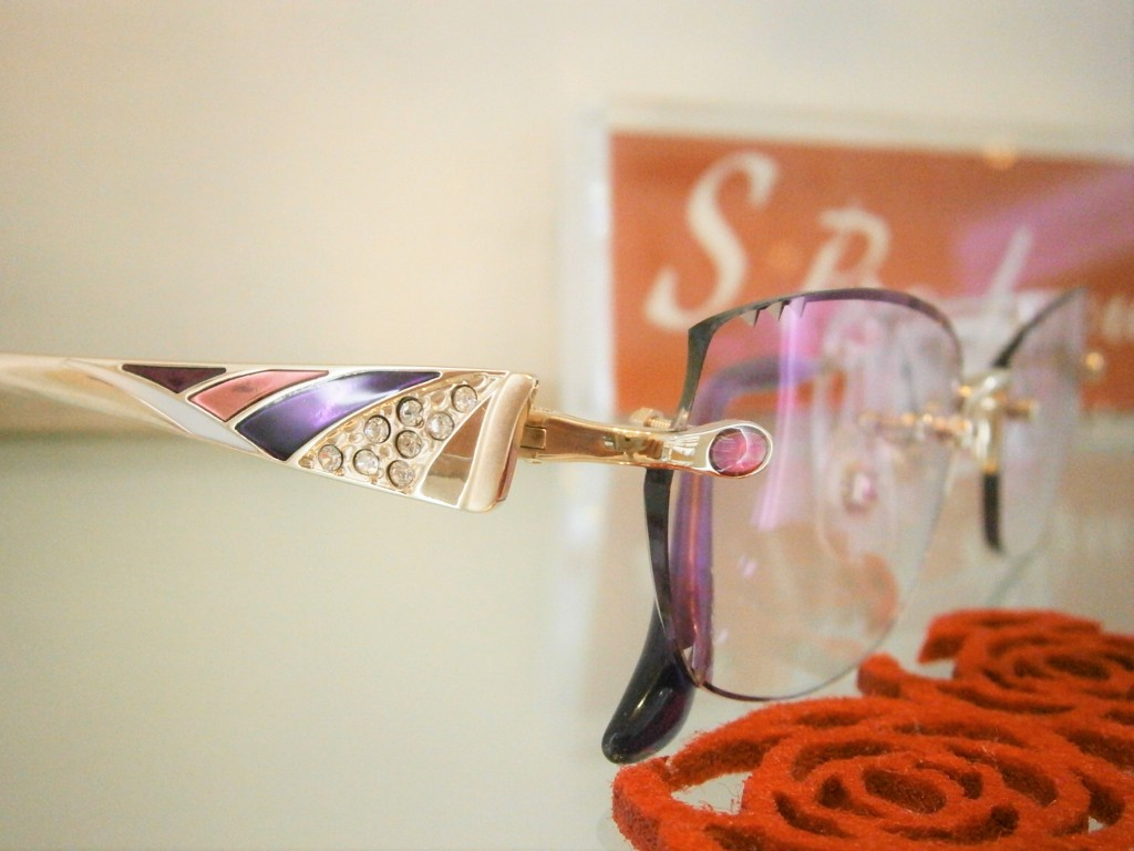 女性のメガネ サンキ眼鏡 江戸川