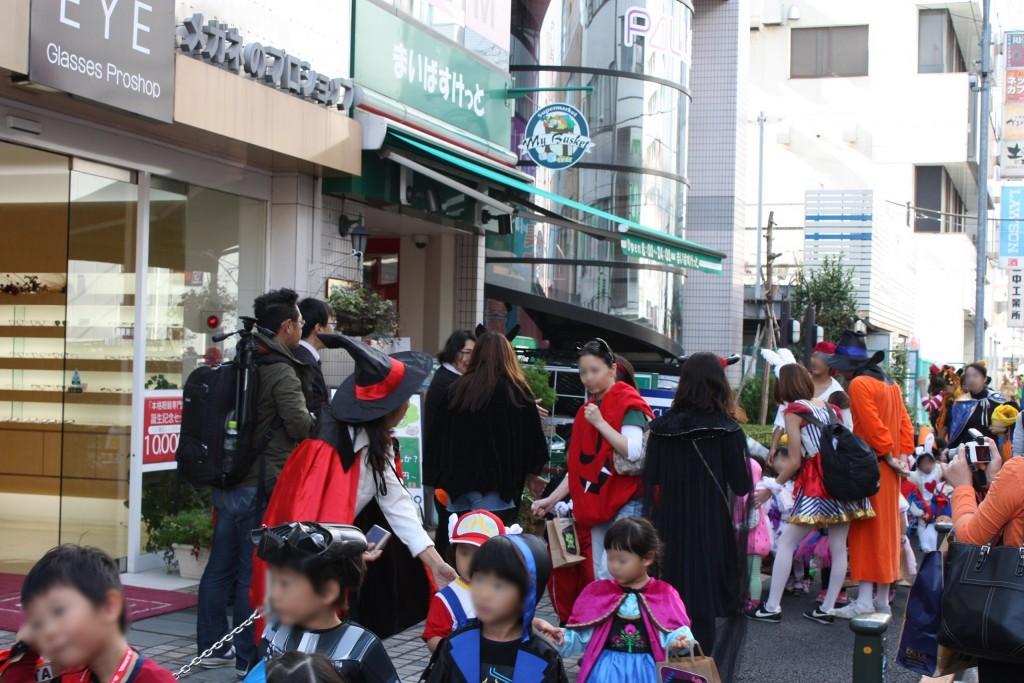 ハロウィン パレード メガネ 江戸川区