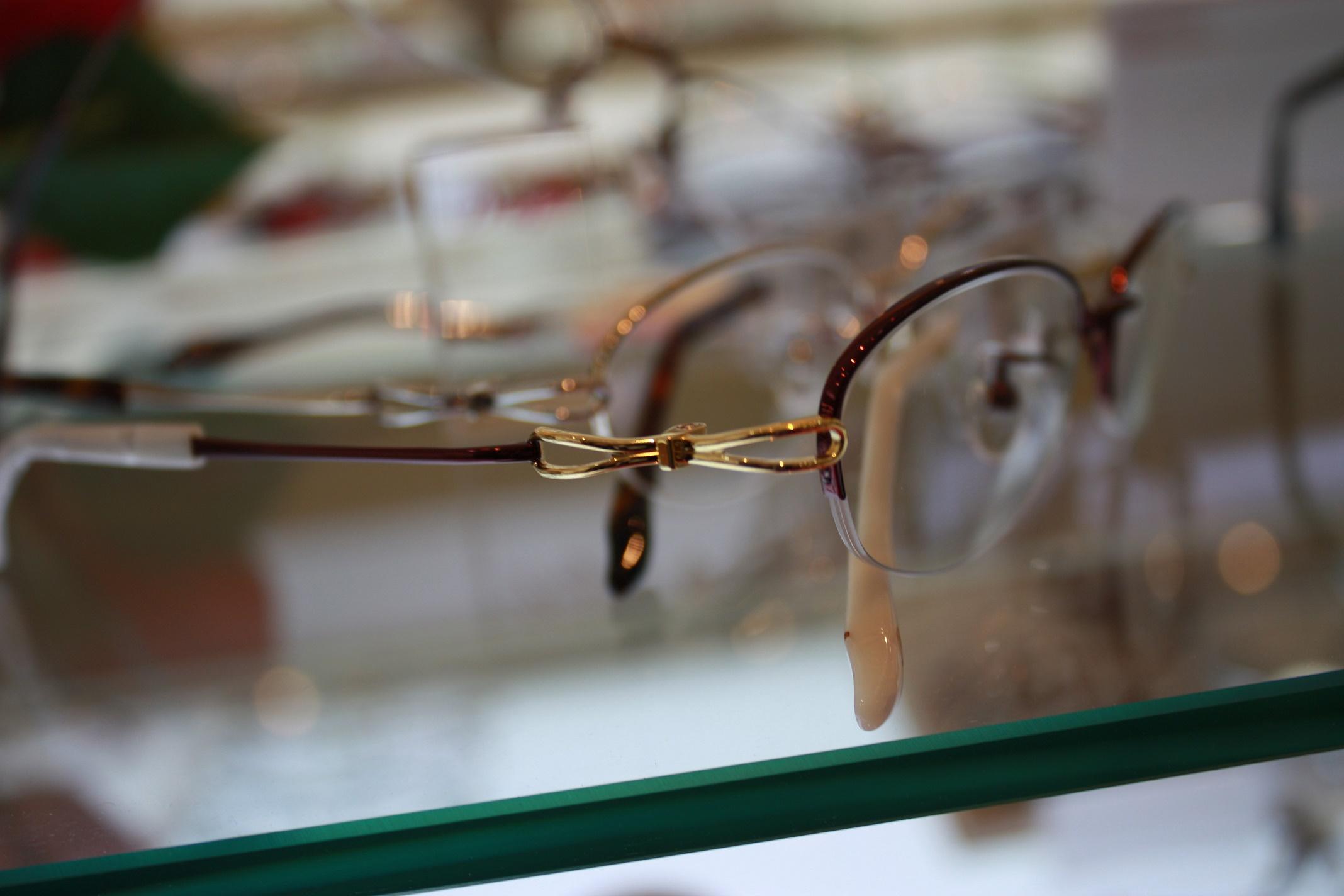 女性のメガネ 大人のメガネ 軽いメガネ 江戸川
