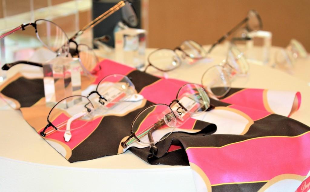 女性用メガネ フレーム チタン素材 江戸川