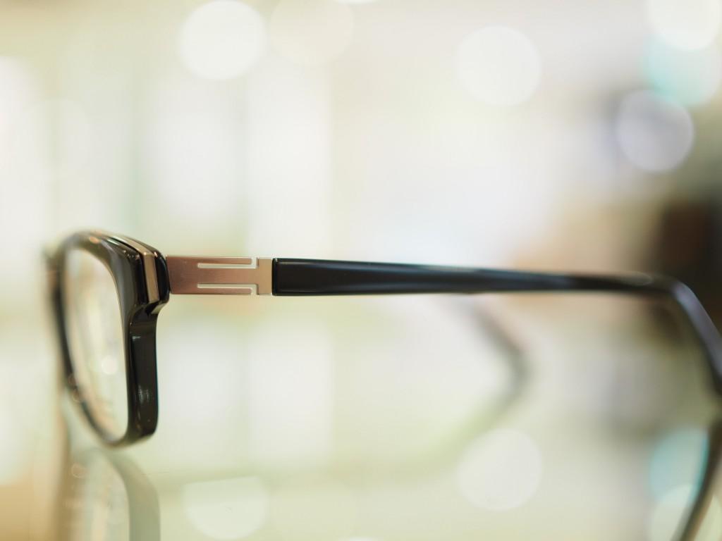 東京都江戸川区フ船堀メガネ両眼視プリズム2つに見えるダブる二重に見える遠近