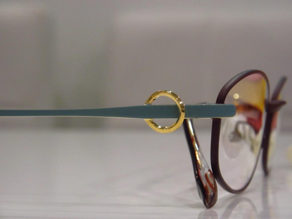 カラー診断 パーソナルカラー 春 イエローベース 江戸川区 船堀 メガネ 物がダブる
