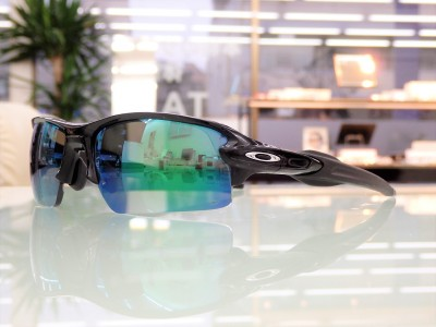 スポーツサングラス 東京 都内 江戸川区 瑞江 ゴルフ用 偏光レンズ 照り返しを抑えるレンズ 疲れにくい OAKLEY オークリー 度付き