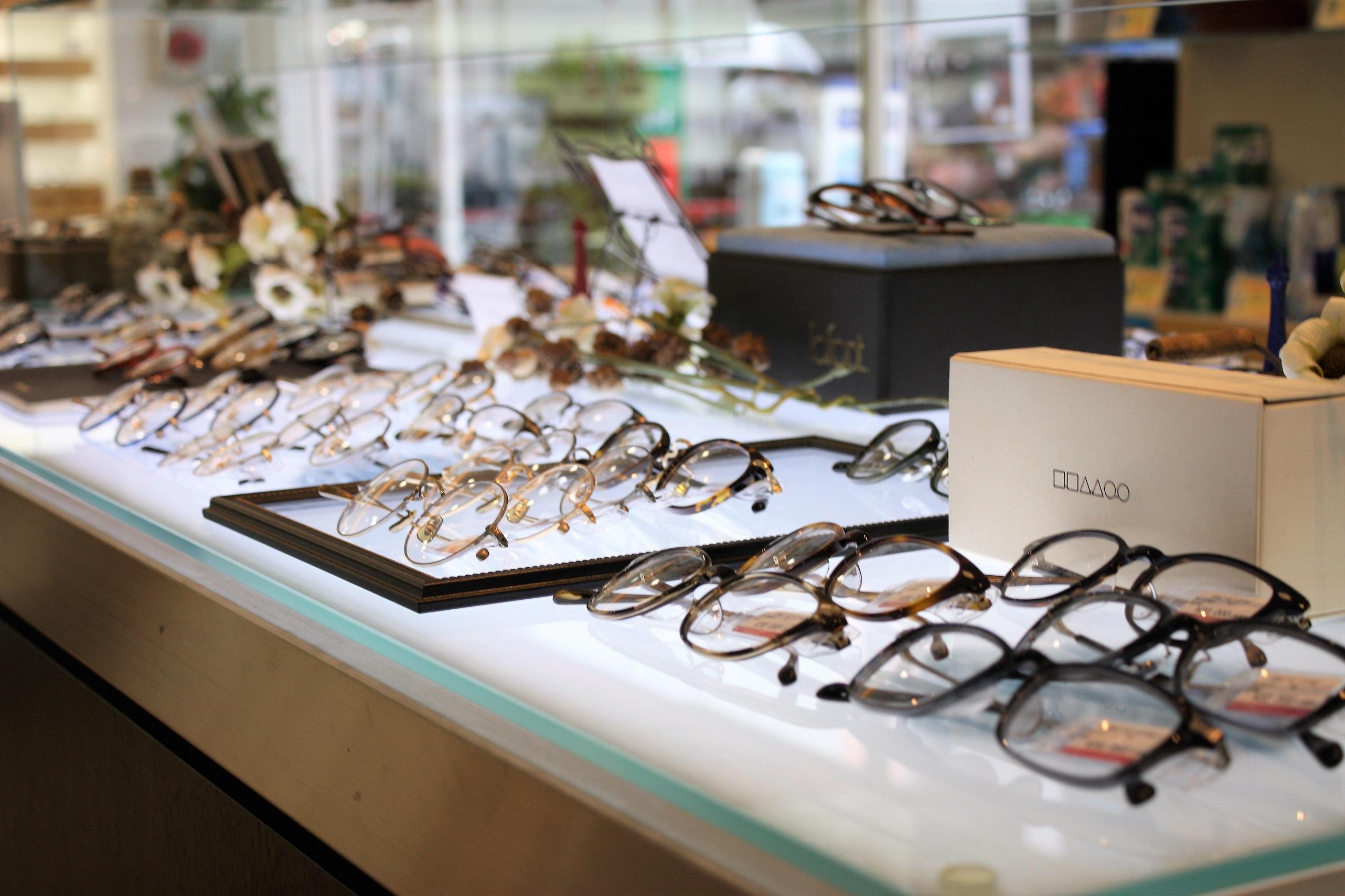 人気のメガネ ブランドメガネ 有名人のメガネ 東京