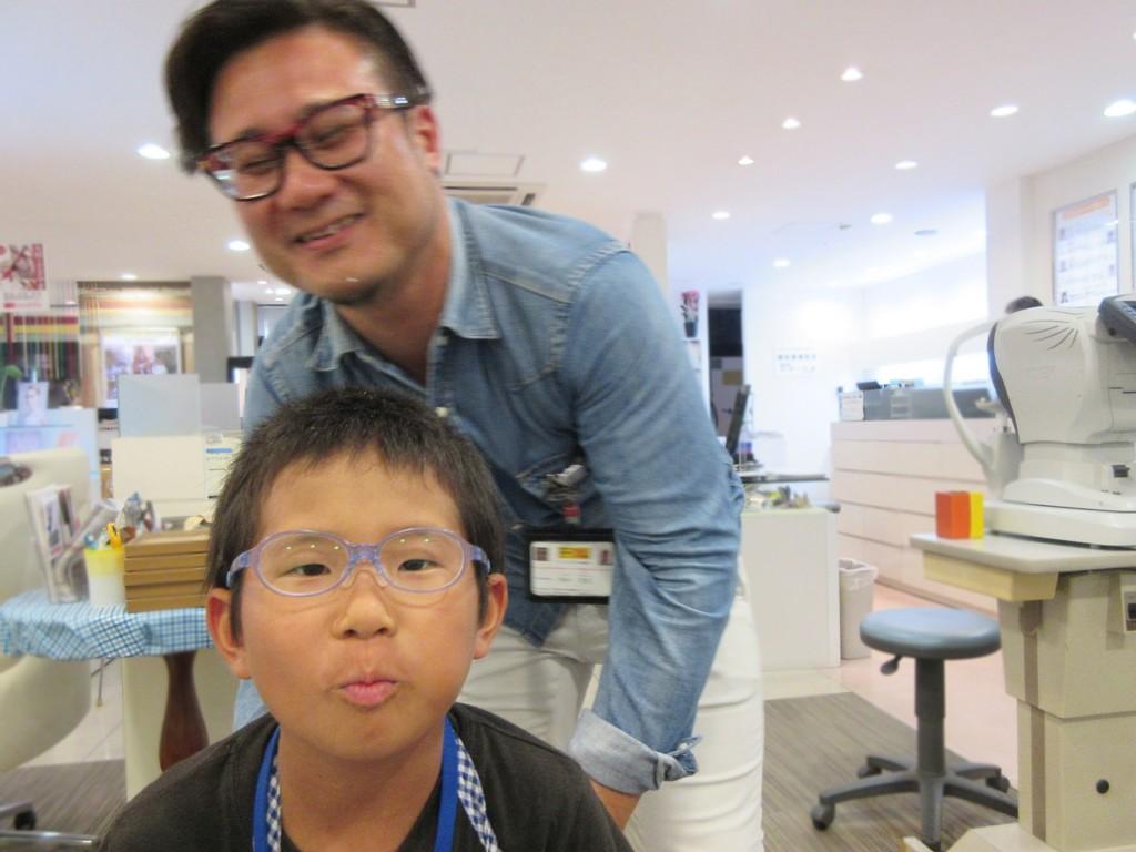 トマトグラッシーズ メガネ作り体験 こどもメガネ 東京都江戸川区 子供メガネ 眼鏡