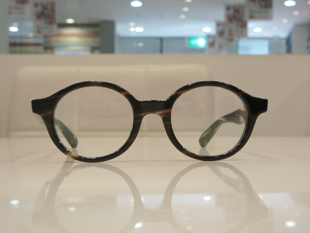 LT-12-01  東京都内 江戸川区 デュアル DJUAL 取り扱い店 両眼視機能 プリズム検査