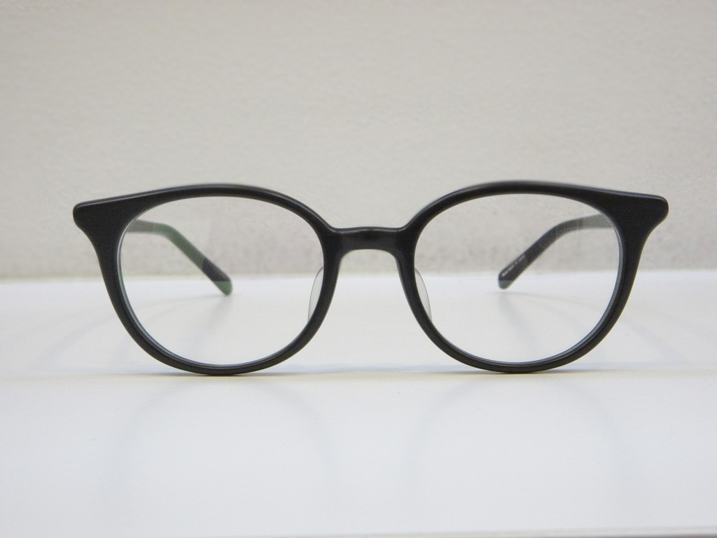 デュアル メガネ DJUAL 取り扱い 東京 江戸川区 両眼視機能 プリズム検査 物がダブる メガネ