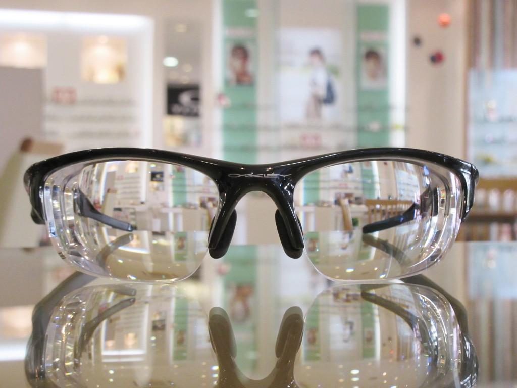 度付きサングラス レンズ交換 オークリー スポーツメガネ 東京都内 江戸川区 船堀 物がダブって見える 両眼視検査