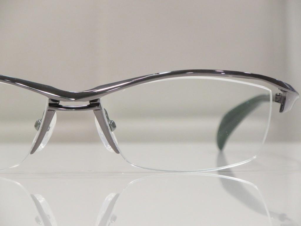 ジャポニスム JAPONISM JN-639 東京都内 江戸川区 船堀 物がダブって見える メガネ 両眼視機能 プリズム検査