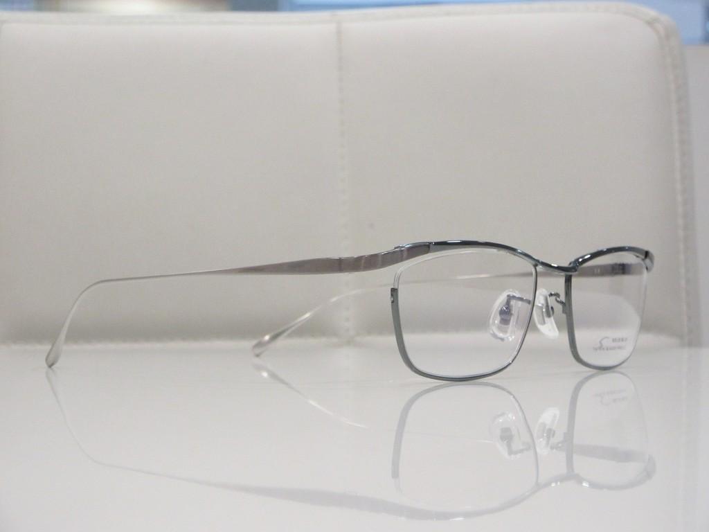 SOLID BLUE メガネ S-226 取扱店 両眼視機能検査 カラー診断 コンタクトレンズ