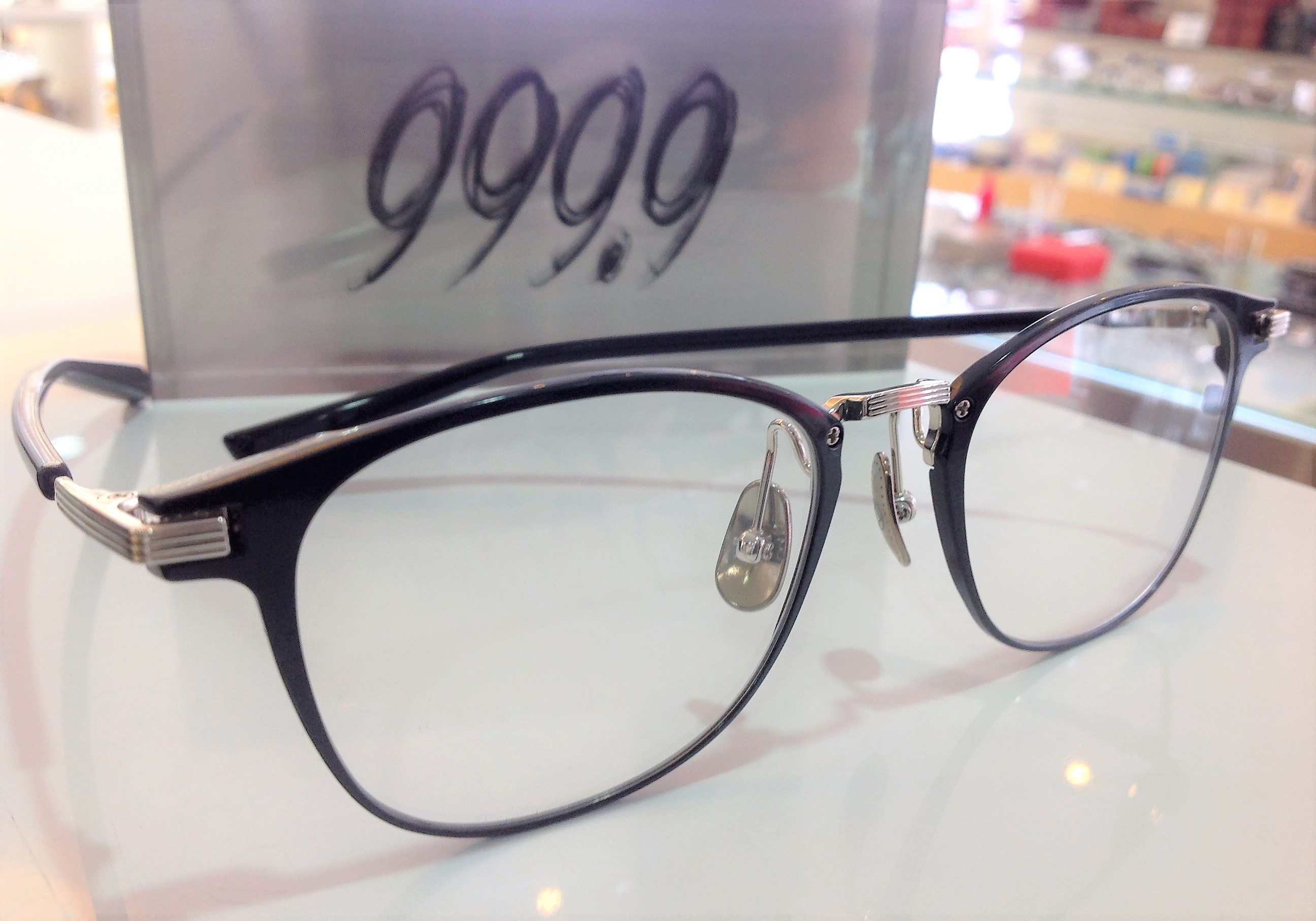 人気のメガネ 999.9 S-360T メタルフレーム 東京