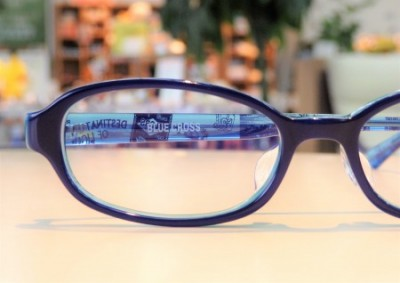 東京都内 こどもメガネ 専門店 ブルークロス キッズフレーム