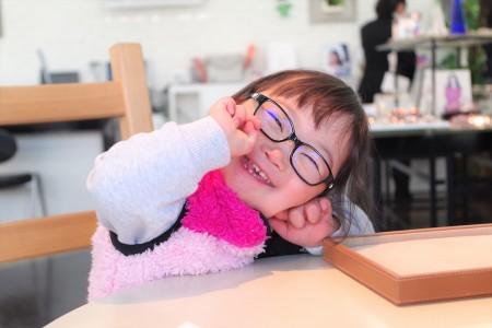東京都内 江戸川区 こどもメガネ 子供眼鏡 遠視性乱視弱視治療用眼鏡 トマトグラッシーズ TKCC14