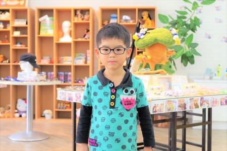 東京都内 こどもメガネ 子供眼鏡 専門店 弱視治療用眼鏡 トマトグラッシーズ TKCC6