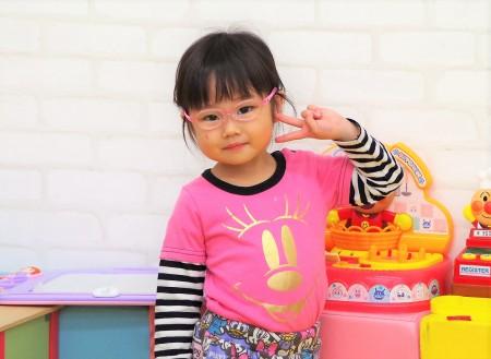 東京都内 こどもメガネ 子供眼鏡 専門店 遠視性乱視弱視治療用眼鏡 トマトグラッシーズ TKAC13