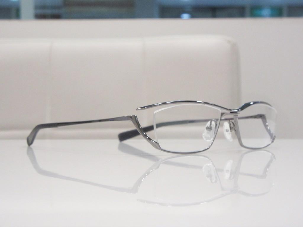 JAPONISM ジャポニスム JN-646 両眼視機能検査 プリズム検査 物がダブって見える 複視 メガネ 両眼視検査 プリズムレンズ カラー診断 コンタクトレンズ 東京都 江戸川区 船堀 評判 プリズムメガネ
