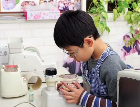 東京都内 こどもメガネ 子供眼鏡 作り体験 専門店 トマトグラッシーズ TJAC1 外斜視弱視治療用眼鏡