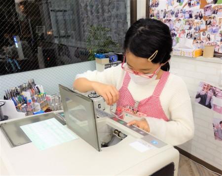東京都内 子供眼鏡 こどもメガネ作り体験 EYEsCLOUD