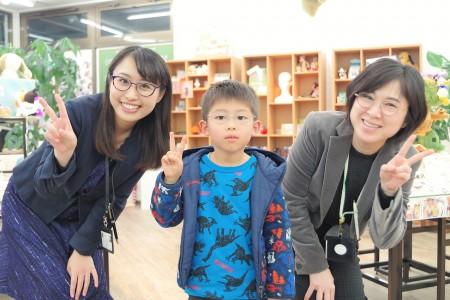 東京都内 こどもメガネ 子供眼鏡 専門店 遠視性乱視弱視治療用眼鏡