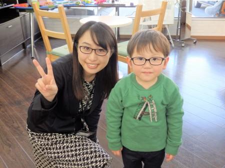 東京 子供 眼鏡 専門店 治療用眼鏡 遠視 乱視 斜視 トマトグラッシーズ
