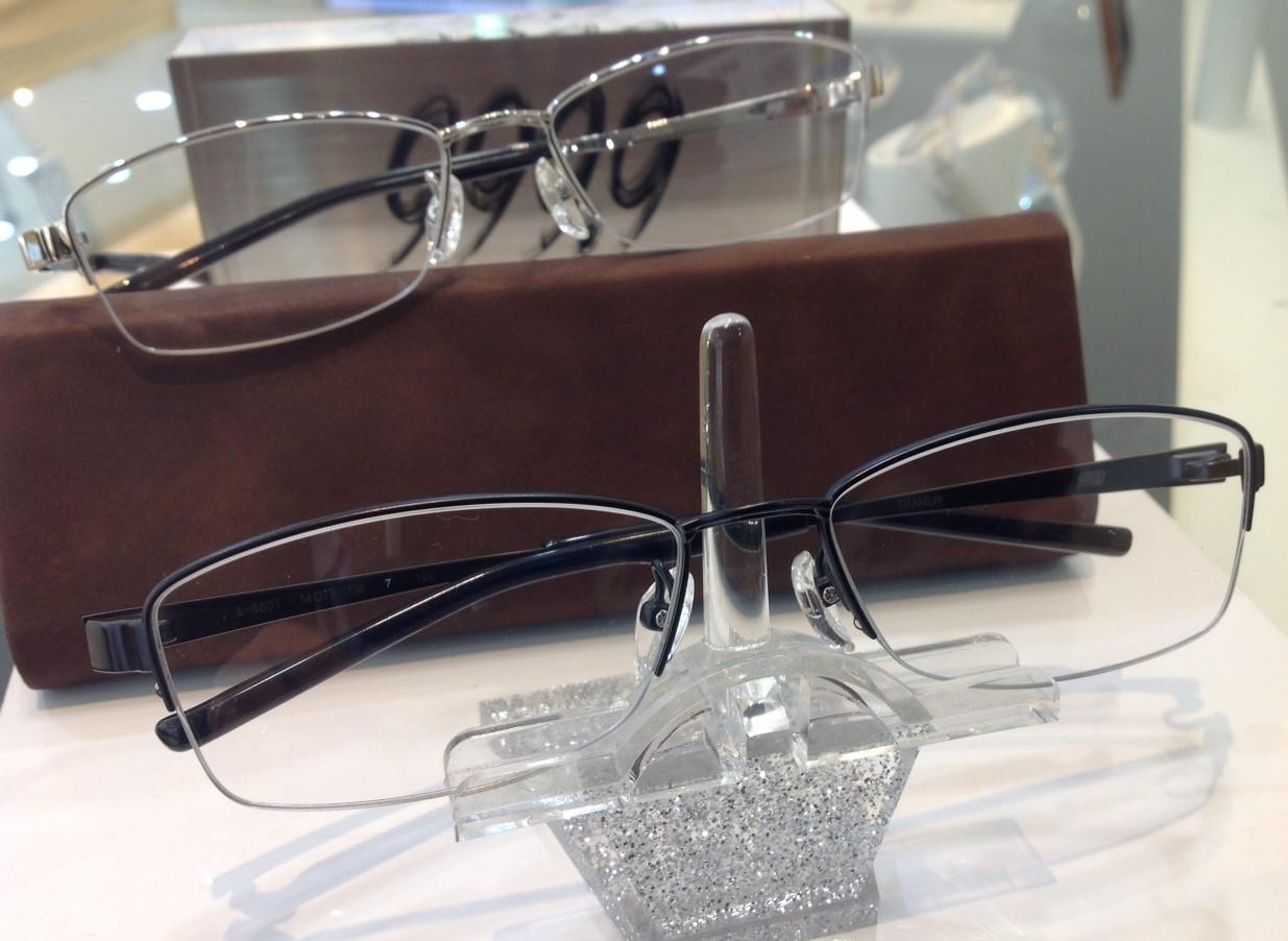フォーナインズ 人気のメガネ 9999 東京 江戸川