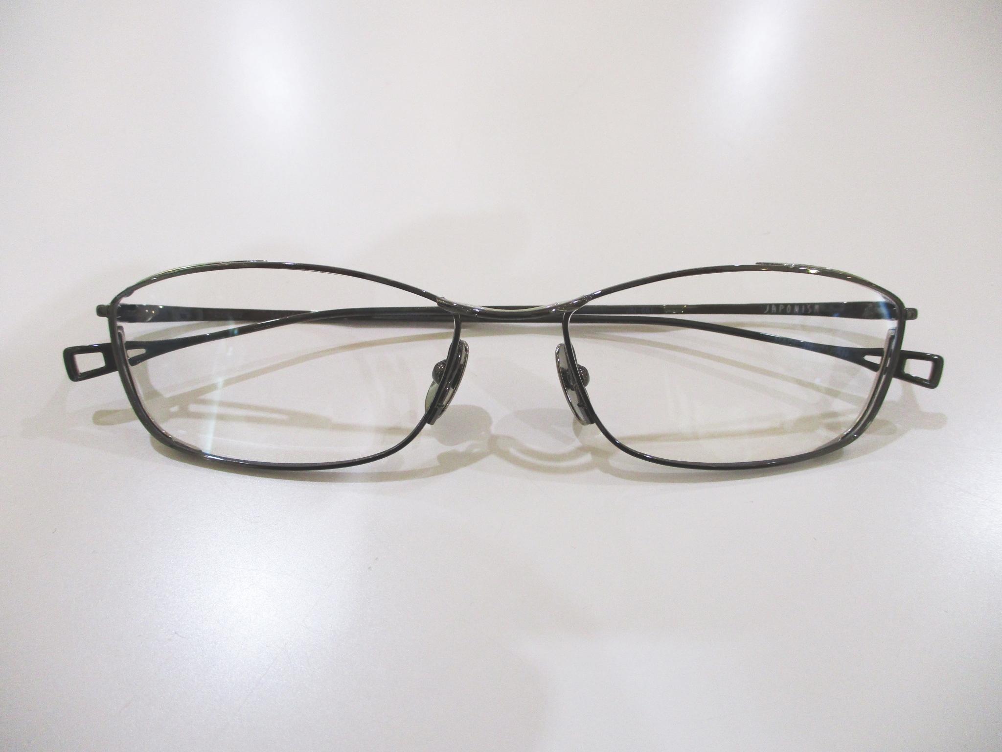 ジャポニスム,おしゃれメガネ,視力検査,コンタクトレンズ,パーソナルカラー診断